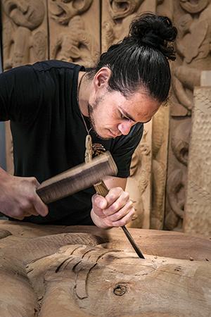 TK62-ToiIho-Carving