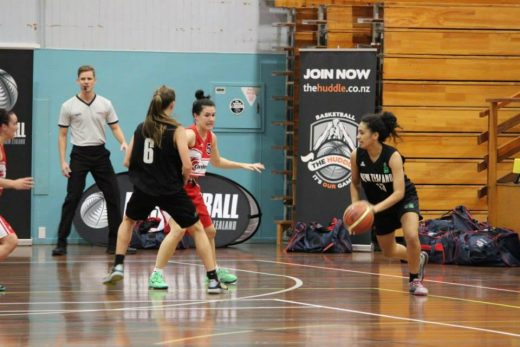 Laken in action during a match with the NZ Junior Tall Ferns.